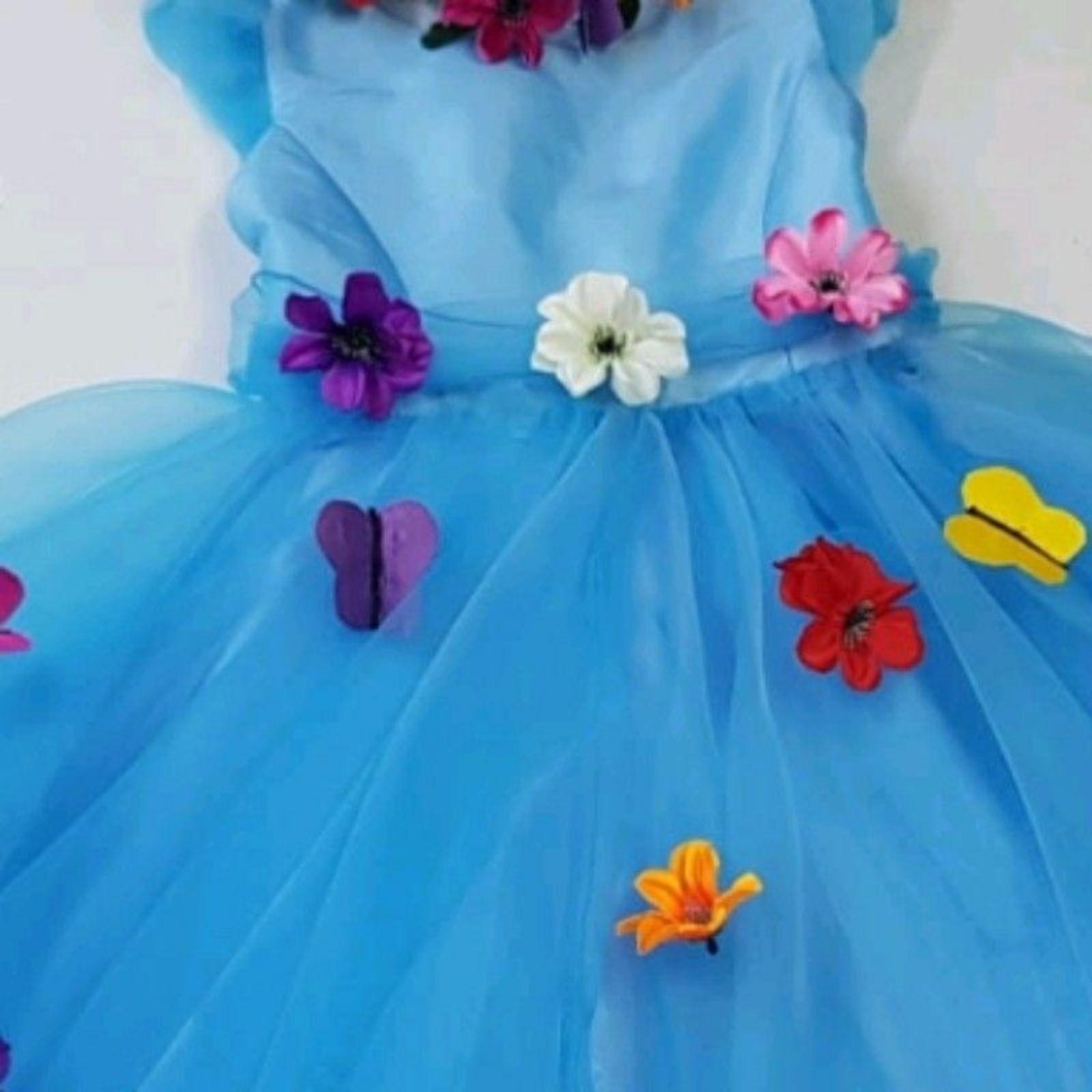 Prințesa bleu cu flori și fluturași 3