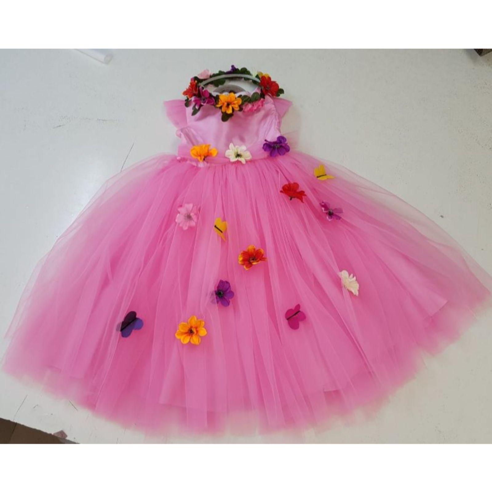Prințesa Roz cu flori și fluturași 1