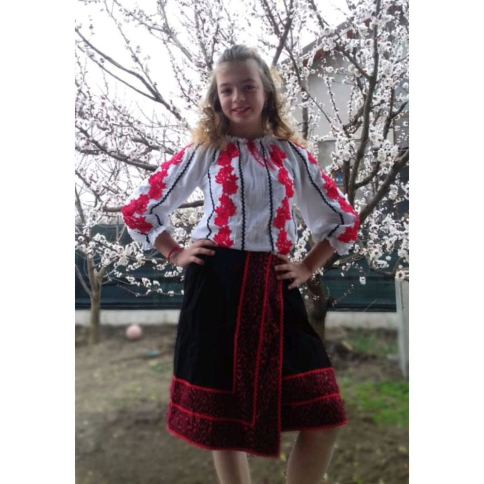 Costum popular fete – bumbac 1