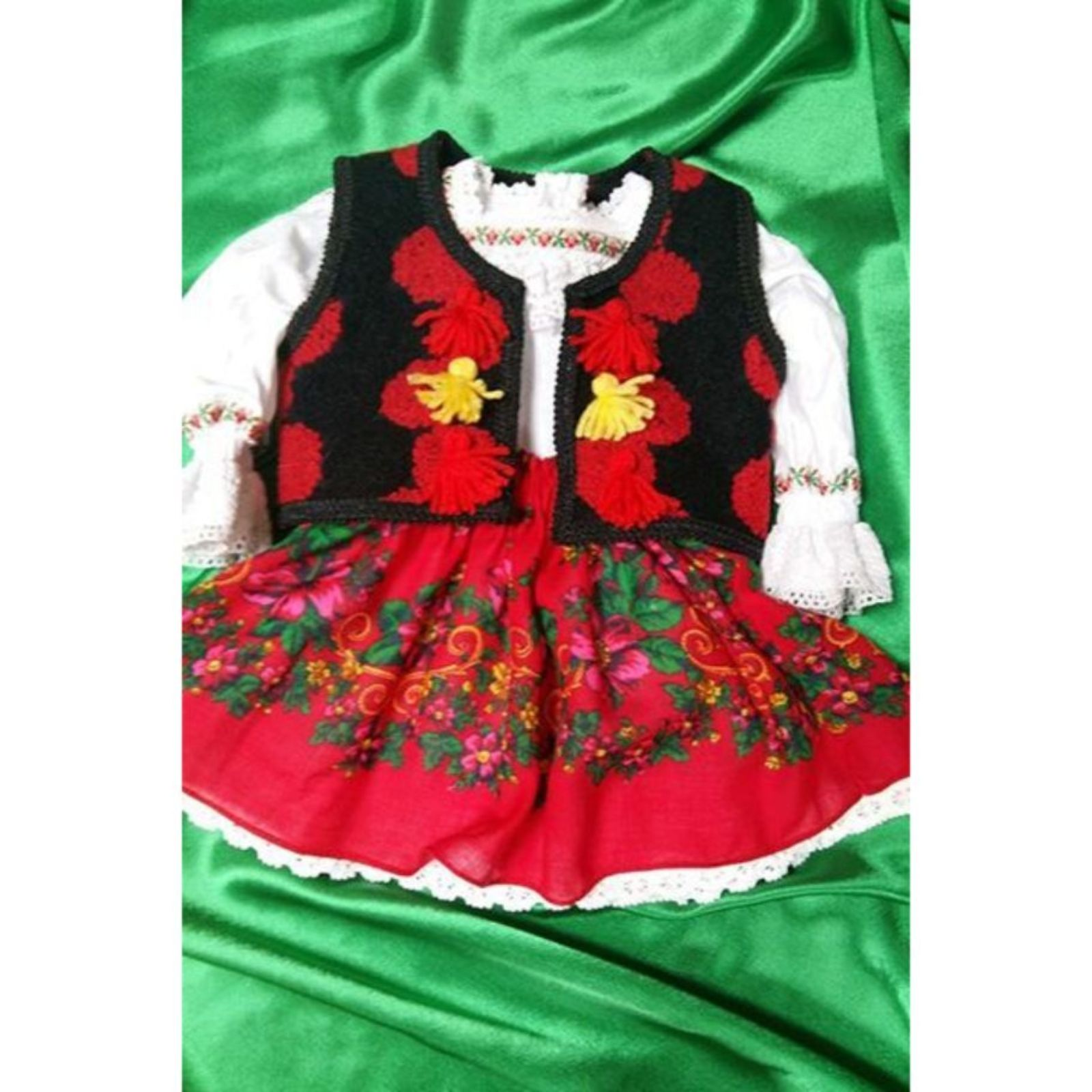 Costum Popular Maramuresean pentru botez 1