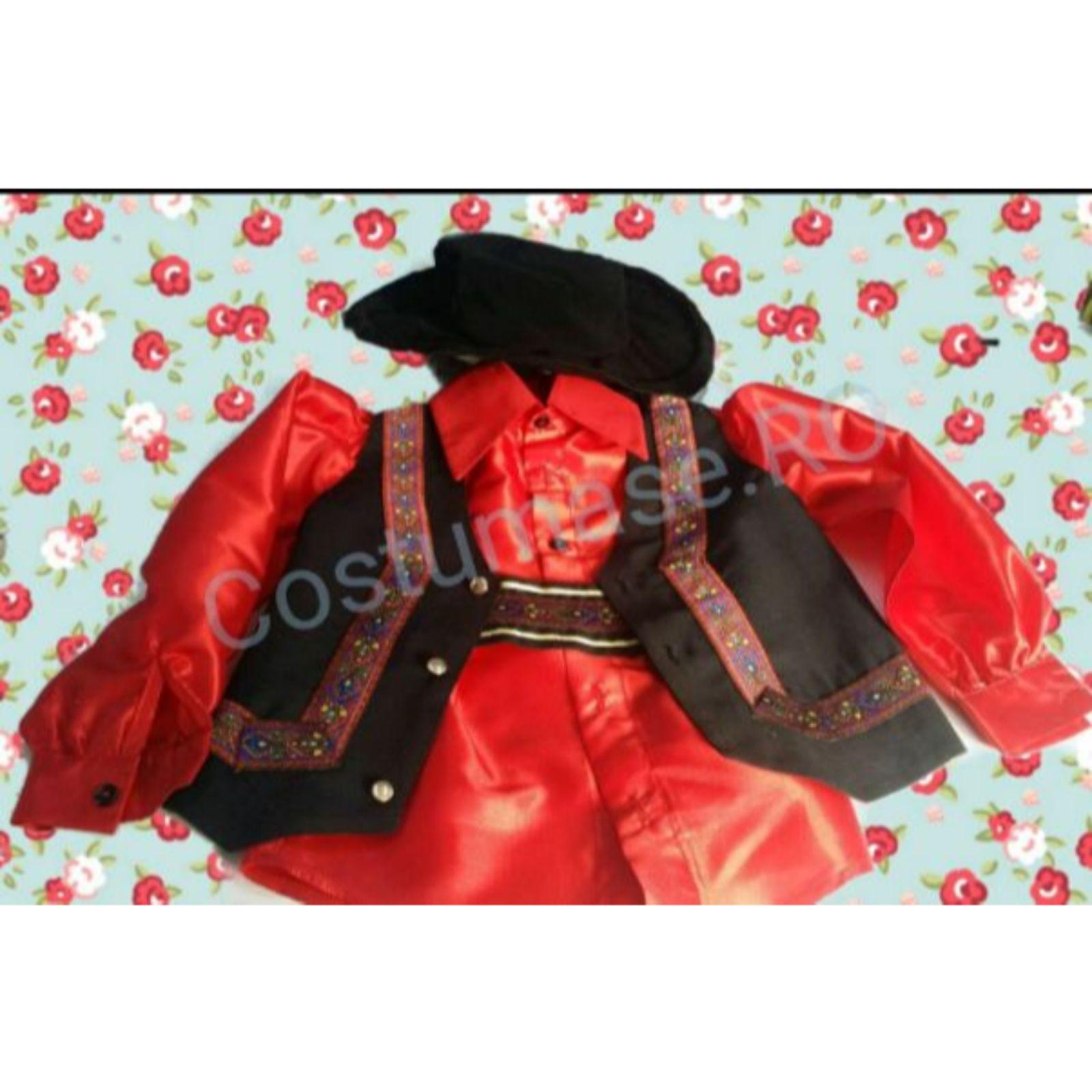 Costum țigan - roșu cu aplicații