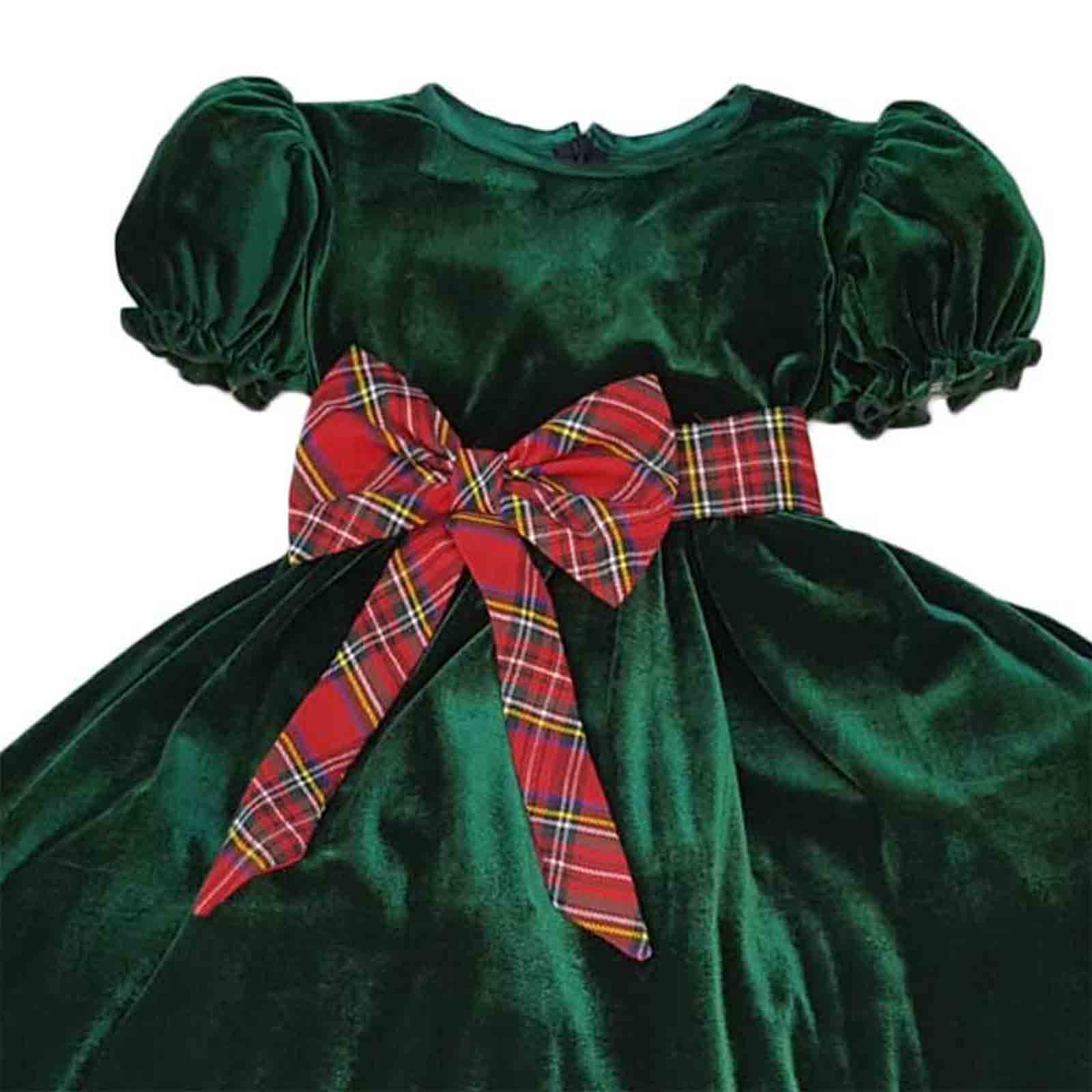 detaliu rochita verde catifea